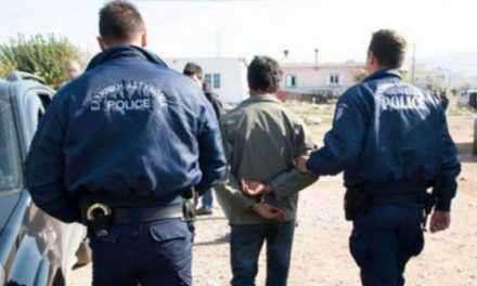 Συλλήψεις στο Αιτωλικό για αρχαία αντικείμενα και όπλα!