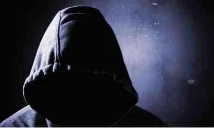 Αγρίνιο : Άντρες με κουκούλες σκόρπισαν πανικό