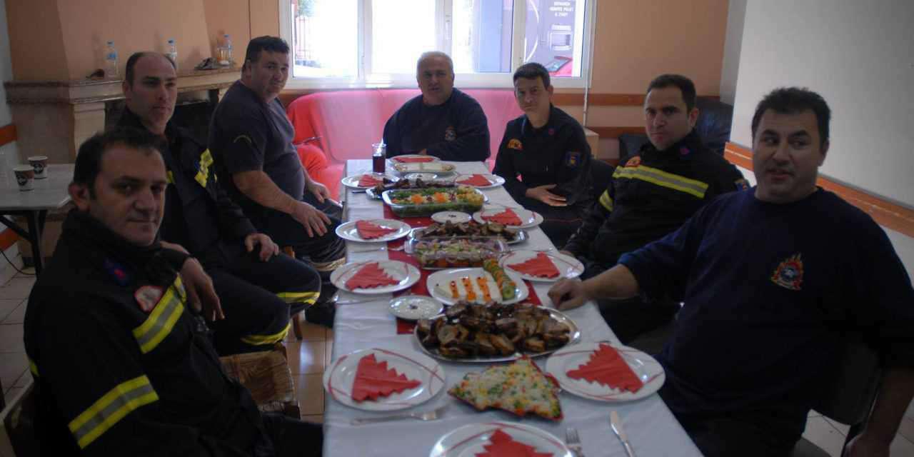 Πυροσβεστική Αγρινίου: 1η του έτους με ευχές και καλό φαγητό!