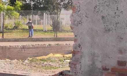 Ζητούν να κλείσουν οι τρύπες στο μαντρότοιχο του ΔΑΚ Αγρινίου!