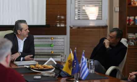 Επίσκεψη Στ. Θεοδωράκη στο εργοστάσιο Agrino