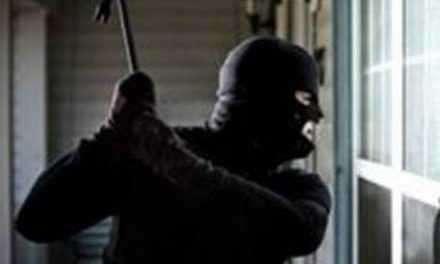 Αγρίνιο: Τρόμος από την πρωτόγνωρη επίθεση κουκουλοφόρων μέρα μεσημέρι!