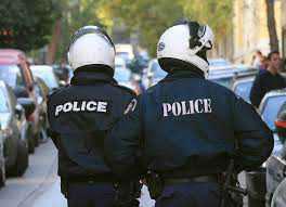 Απονομή  του Αστυνομικού μεταλλίου « Αστυνομικός Σταυρός »  σε Ανθυπαστυνόμο της Ελληνικής Αστυνομίας για εξαίρετη δραστηριότητα που επέδειξε εκθέτοντας αποδεδειγμένα τη ζωή του σε κίνδυνο