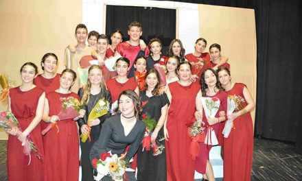 """Τεράστια επιτυχία είχε η """"Ηλέκτρα"""" από το Παπαστράτειο Γυμνάσιο Αγρινίου!"""