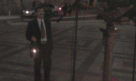 Το Άγιο Φως έφθασε στο Αγρίνιο στις 10.55 το βράδυ (φωτο-βίντεο)