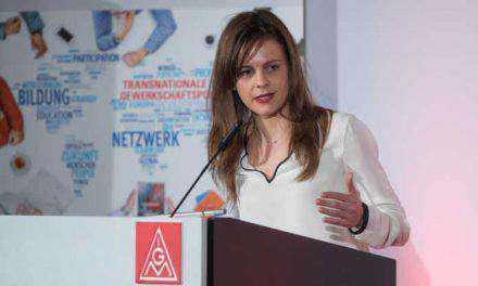 Αχτσιόγλου: Έρχεται επιδότηση ενοικίου & αύξηση επιδομάτων τέκνων