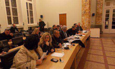 """Αντιπολίτευση: """"Παράνομη"""" η ανάθεση σε αθηναϊκή εταιρεία για την αποτύπωση του δημοτικού ηλεκτροφωτισμού"""