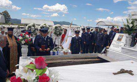 Αγρίνιο: Με τιμές ήρωα η ταφή των λειψάνων του  επισμηναγού Β. Παναγόπουλου-Βαρύ κατηγορώ της οικογένειας στη Δημοτική Αρχή!(φωτο-βιντεο)