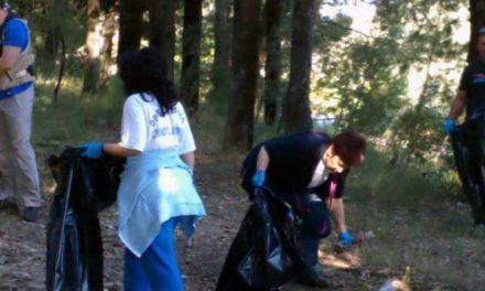 Περίπατος -καθαριότητα στο δασύλλιο του Αγίου Χριστοφόρου
