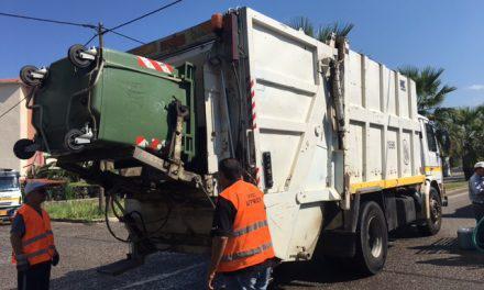 Τέλος η απεργία των εργαζόμενων στην καθαριότητα-Μαζεύονται τα σκουπίδια και στο Αγρίνιο!