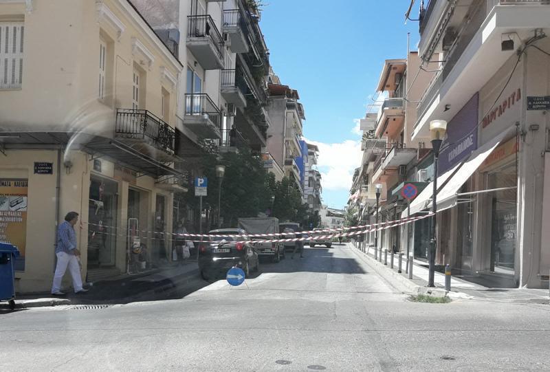 Αγρίνιο | Τραυματίας οδηγός από πτώση σοβάδων-Κυκλοφοριακό έμφραγμα από την αποκλεισμένη Ι.Σταίκου!
