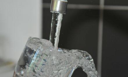 Ξεχειλίζει η αγανάκτηση κατοίκων για το νερό στα Παρακαμπύλια-Καταγγελίες για τη δημοτική αρχή!