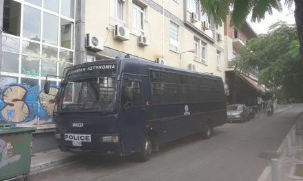 Αγρίνιο: Ιατρικές εξετάσεις κρατουμένων συνοδεία αστυνομικών στα Ιατρεία του ΕΟΠΠΥ
