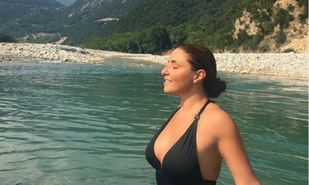 Η βουτιά της Έλενας Παπαρίζου στον Αχελώο (βιντεο)