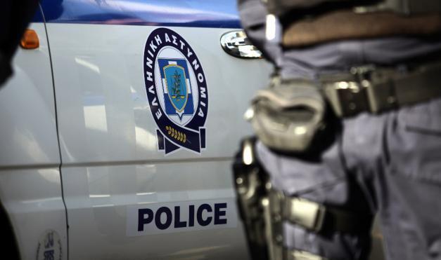 Αιτωλικό: Συνελήφθη 28χρονος- υπό την επήρεια αλκοόλ προκάλεσε φθορές σε παρτέρια