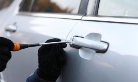 Aγρίνιο: Ανήλικοι αποπειράθηκαν να διαρρήξουν σταθμευμένο αυτοκίνητο – αναζητούνται και οι γονείς