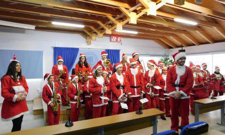 Ευχές και Χριστουγεννιάτικα κάλαντα στο Δημαρχείο Μεσολογγίου (φωτο)