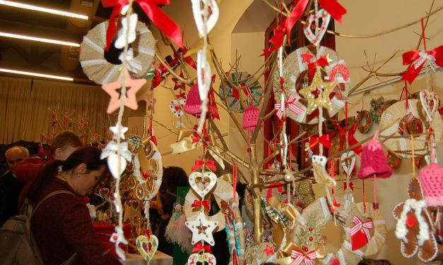 Με επιτυχία το Χριστουγεννιάτικο bazaar από το Πνευματικό Κέντρο του Δήμου Μεσολογγίου (φωτο)