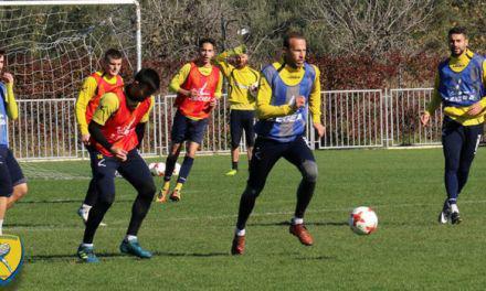 Με διπλή προπόνηση συνεχίστηκε η προετοιμασία του Παναιτωλικού για το ματς με την ΑΕΚ στο Αγρίνιο.