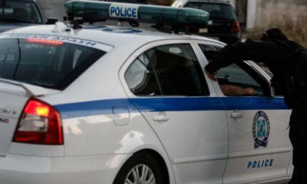 Ναύπακτος: Σύλληψη ανήλικου για απόπειρα κλοπής και του γονέα του για παραμέληση της εποπτείας του