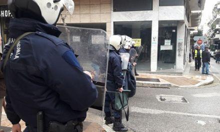 Διαδηλωτές-μαθητές καταγγέλλουν την αστυνομία για κακοποίηση και συλλήψεις