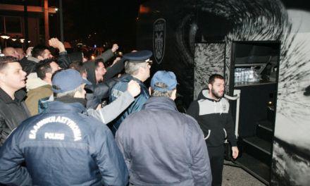 «Χαμός» στην άφιξη του ΠΑΟΚ στο Αγρίνιο (φωτο)