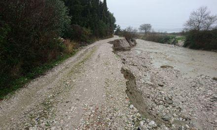 Ορμητικός Χείμαρρος κατέστρεψε αγροτικό δρόμο στο Δρυμό Βόνιτσας