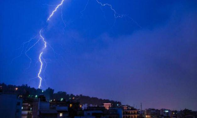 Έντονη κεραυνική δραστηριότητα και στην Αιτωλ/νία. : Πάνω από 22.000 κεραυνοί έπεσαν σήμερα σε Ιόνιο και Δυτική Ελλάδα