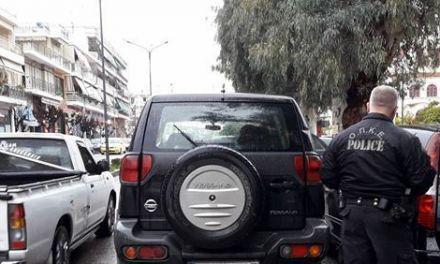 Κυκλοφοριακό αμόκ έξω από τα δικαστήρια Αγρινίου/Τα χέρια «ψηλά» σήκωσε η αστυνομία!