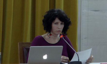 Oμιλία της Μ.Παλιούρα στο Παπαστράτειο Μέγαρο