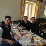 Τι γύρευε ο Σάκης Ρουβάς και η Κάτια Ζυγούλη στην Κομποτή στην Ταβέρνα του Γιάννη Φοραδούλα