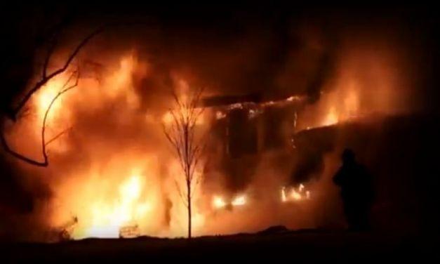 Σπίτι και περιουσία χάθηκαν στις φλόγες στην Πλαγιά-Το δράμα της φτωχής οικογένειας δεν άφησε ασυγκίνητο το Δήμο Ακτίου-Βόνιτσας