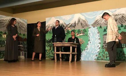 Αστακός-Εντυπωσίασε η παράσταση «Ο κύκλος με την κιμωλία»
