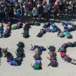 Αγρίνιο: Το συγκινητικό «αντίο» των συμμαθητών της 14χρονης Μαργαρίτας (φωτο)