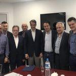 Συνάντηση Μητσοτάκη  με το Προεδρείο του Πανελλήνιου Φαρμακευτικού Συλλόγου- Παρών ο Θανάσης Παπαθανάσης.