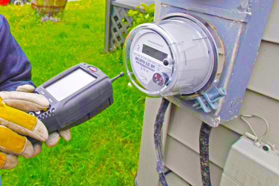 «Έξυπνοι μετρητές» σε 14 δημόσια κτίρια της Περιφέρειας για καταγραφή κατανάλωσης ηλεκτρικής ενέργειας – Ένας σε οδικό κόμβο