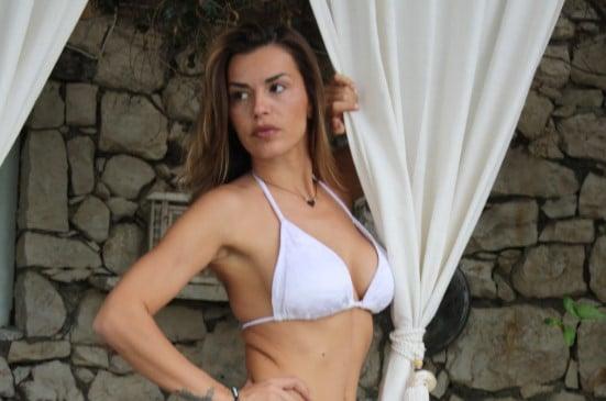Οι Ελληνίδες celebrities βάζουν «φωτιά» στην Λευκάδα!