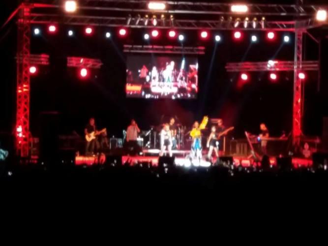 Μεγάλη η επιτυχία της συναυλίας της Φουρέιρα στην Τριχωνίδα-Φαν του Αγρινίου η γνωστή τραγουδίστρια