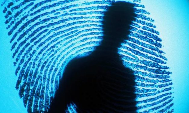 Μεσολόγγι: Τον πρόδωσαν τα δακτυλικά αποτυπώματα – Συνελήφθη νεαρός για  κλοπή κοσμημάτων αξίας