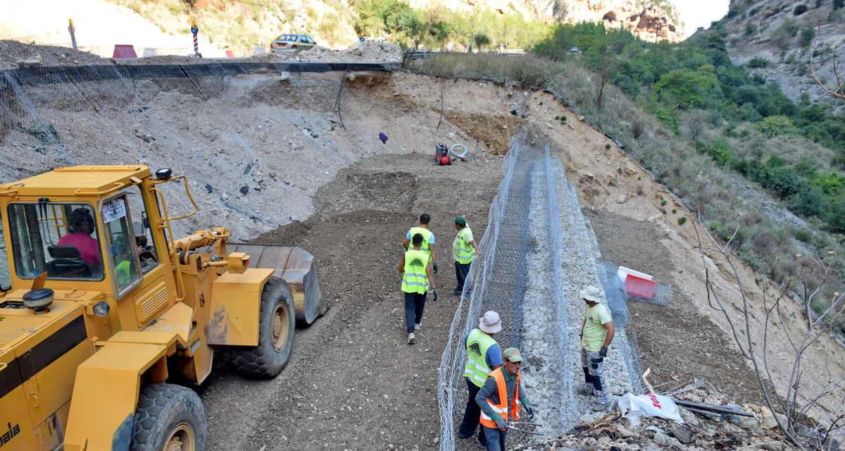 Σε εξέλιξη η ανακατασκευή του δρόμου στην Κλεισούρα  (φωτο – video)