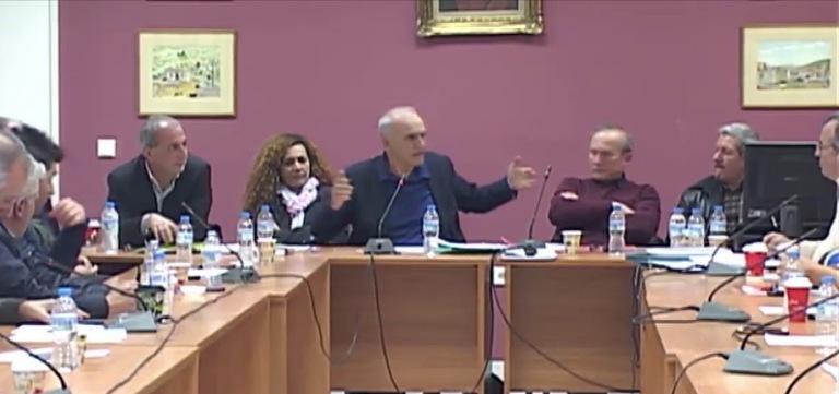Ένταση και λεκτική διαμάχη μεταξύ Κωνσταντάρα-Βαρεμένου-Βαριές κουβέντες!