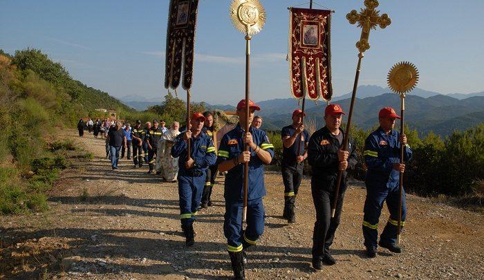 Θεία Λειτουργία προς τιμήν των πυροσβεστών του Αγρινίου στην Ι.Μ. Λυκούρεσης