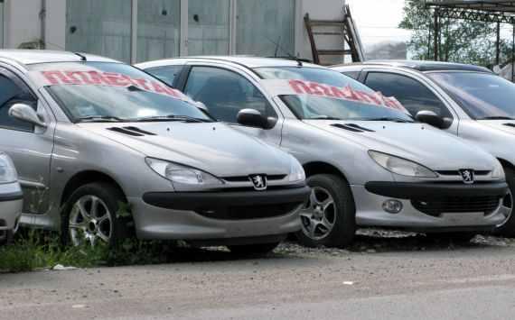 Μεσολόγγι- 21χρονος  είχε ξαφρίσει μπαταρίες μεταχειρισμένων αυτοκινήτων από μάντρα