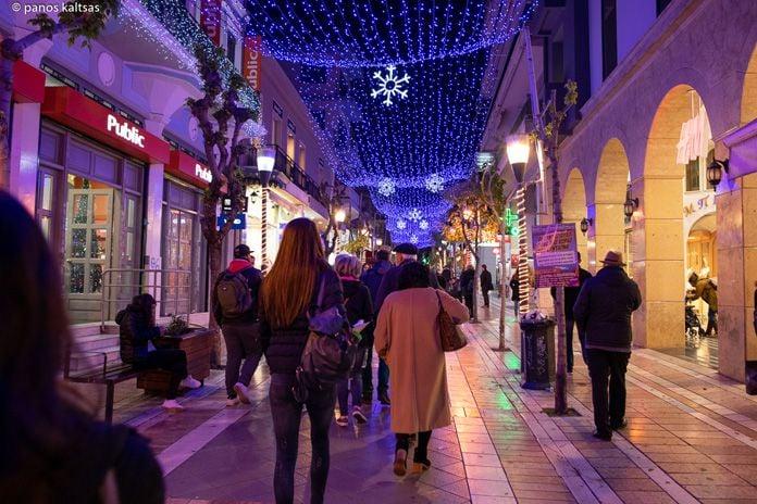 """Αποτέλεσμα εικόνας για Αγρίνιο: """"Βουτιά"""" στον τζίρο του 98% των εμπορικών καταστημάτων κατά την εορταστική περίοδο"""