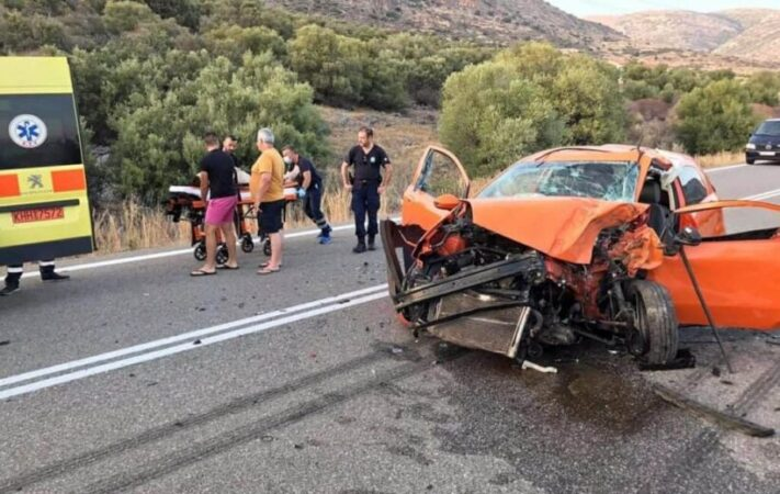 Άμφισσα: Σκοτώθηκε σε τροχαίο 38χρονος επαγγελματίας - Δύο ακόμη τραυματίες(ΦΩΤΟ)